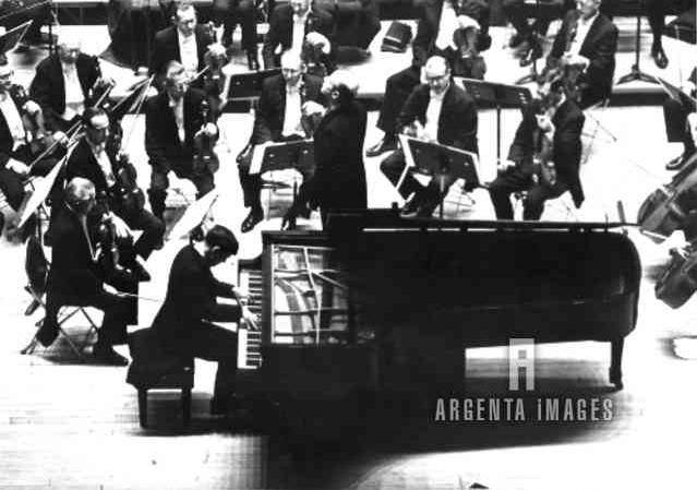 Eugen Indjic | Eugen Indjic, pianiste franco-américain de
